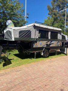 camp trailer e